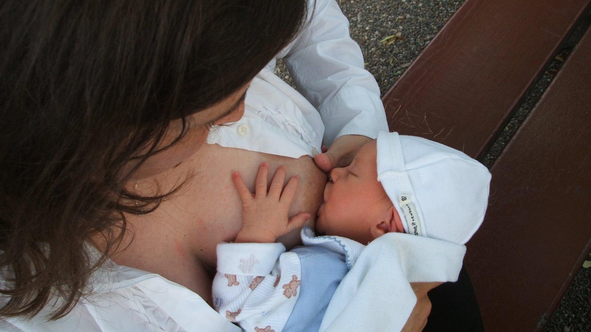 Pourquoi privilégier le lait maternel pour votre bébé ?