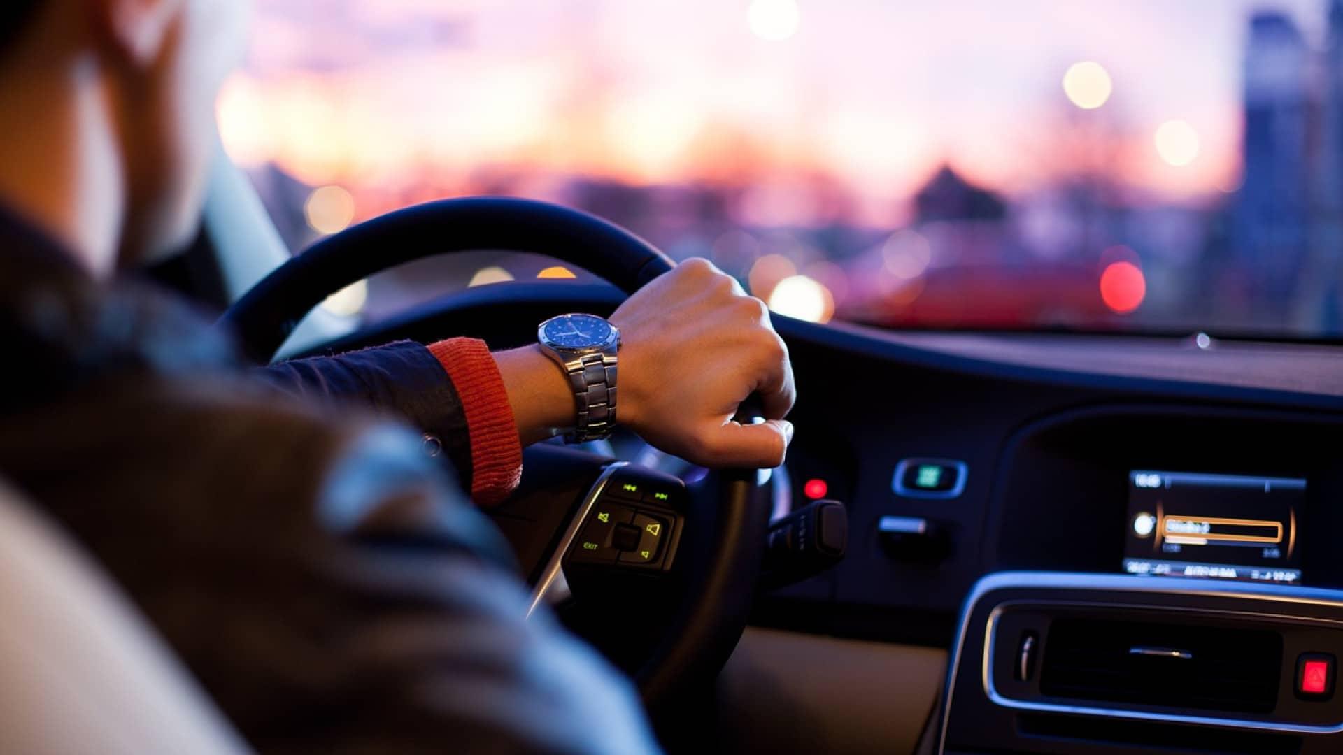 Quel est le rôle d'un mandataire auto ?